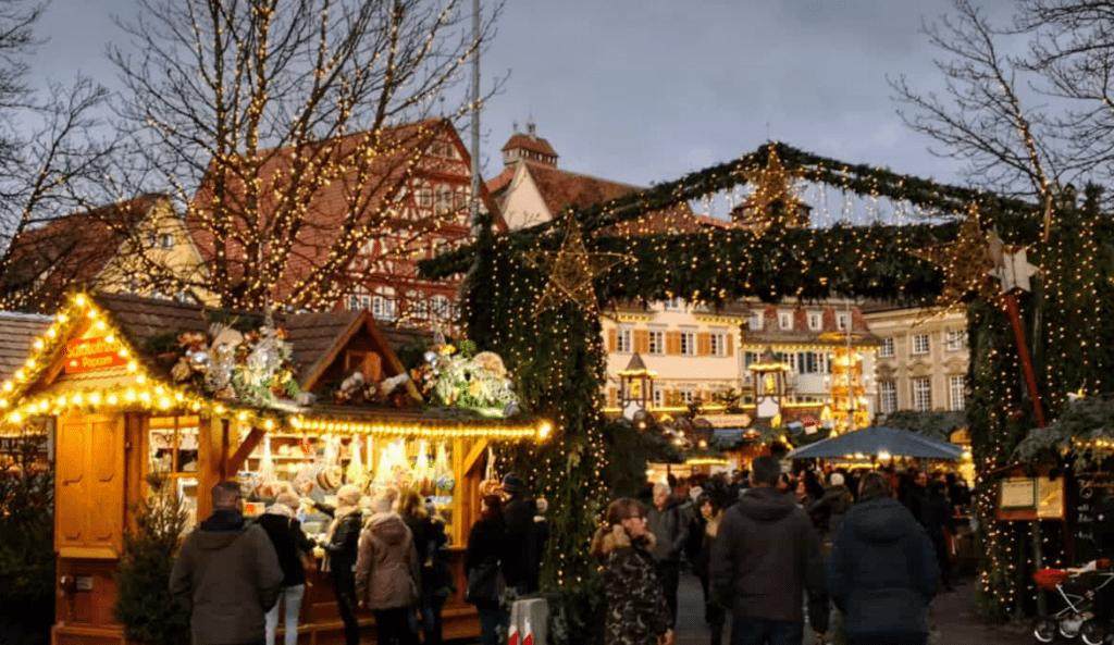 Besinnliche Weihnachtszeit auf dem Esslinger Weihnachtsmarkt